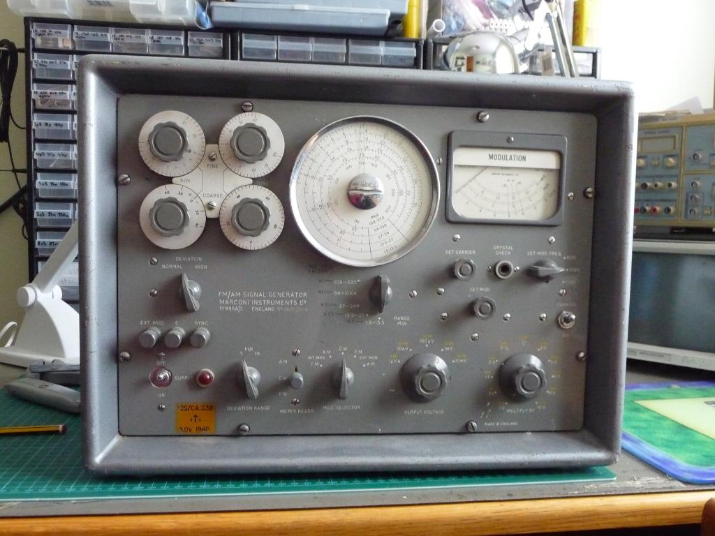 Marconi signal generator image 3